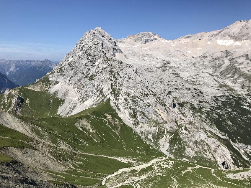 Blick auf die Zugspitze vom Feldernjoch gesehen
