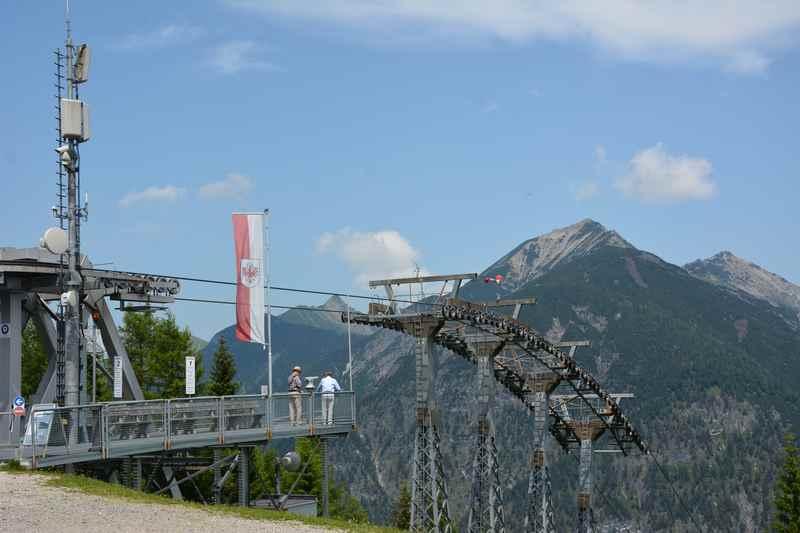 Am Zwölferkopf, die Bergstation der Karwendelbahn Pertisau oberhalb des Achensee