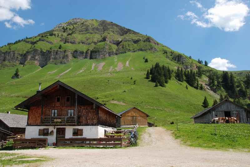 """Das ist der Drehort von """"Eine Sennerin zum Verlieben"""" - im Karwendel bei der Rotwandalm. Ein idyllischer Ort oberhalb des Achensee und des Bächental"""