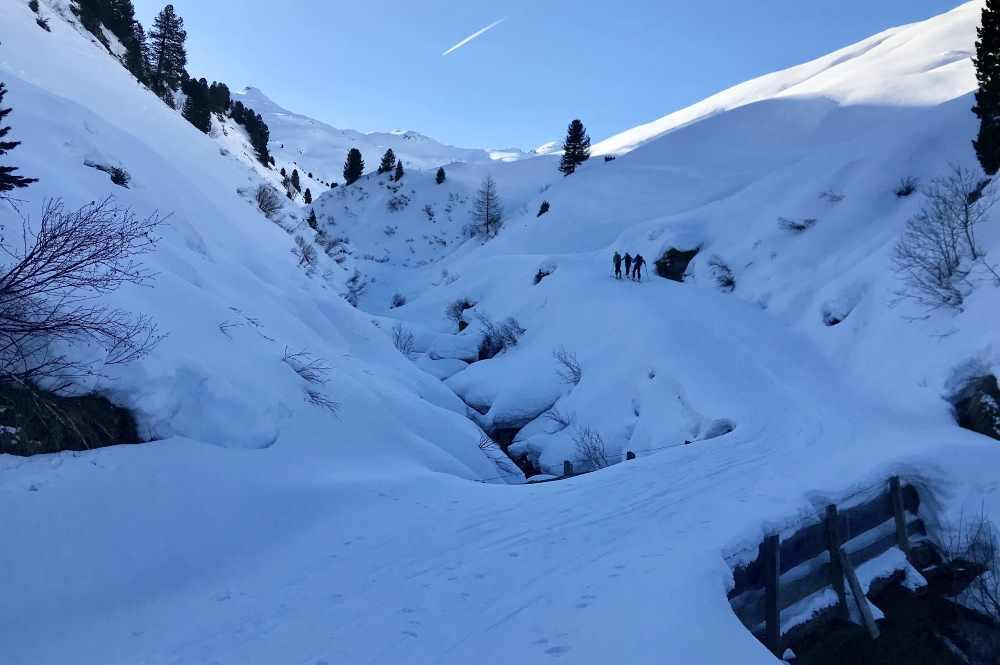 Kleiner Gilfert Skitour durch das schattige und schneereiche Nurpenstal