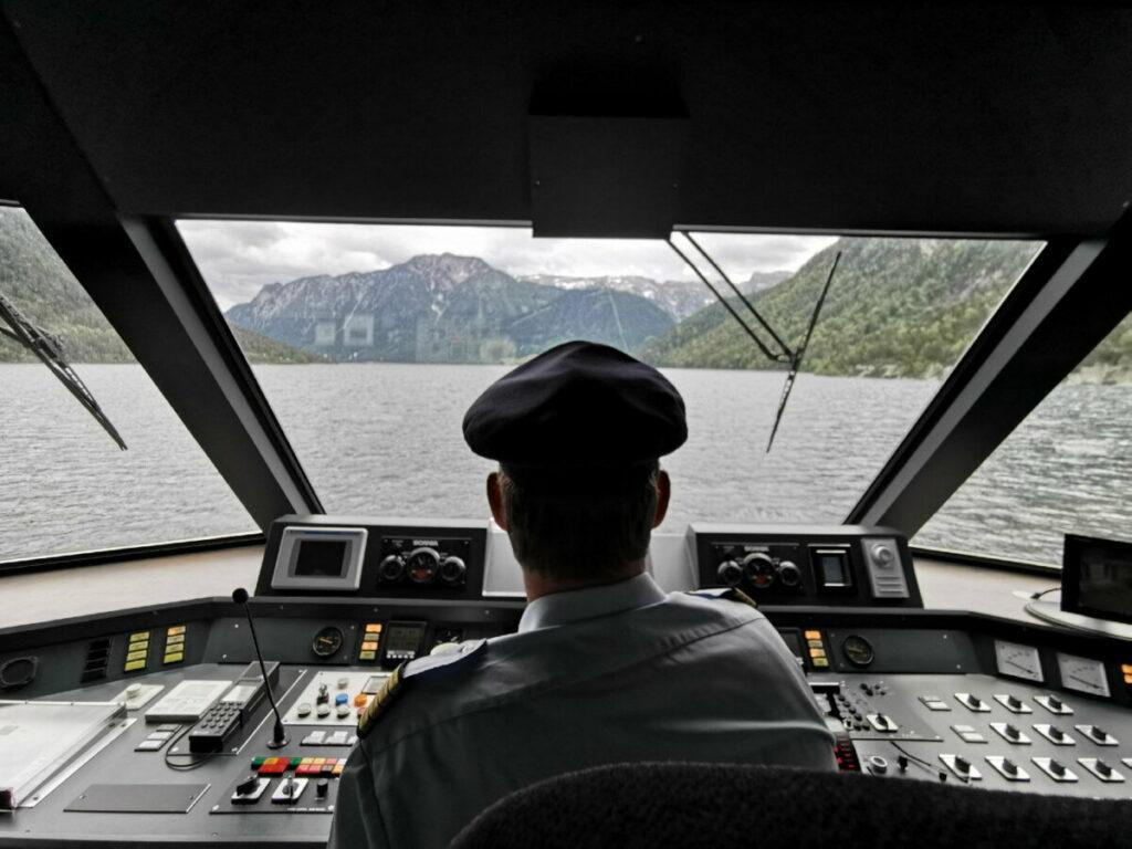 Das ist der Kapitänsblick auf der Schiffahrt über den Achensee
