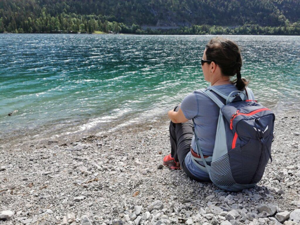 Am Achensee Rundweg auspannen und einfach nur über´s Wasser schauen