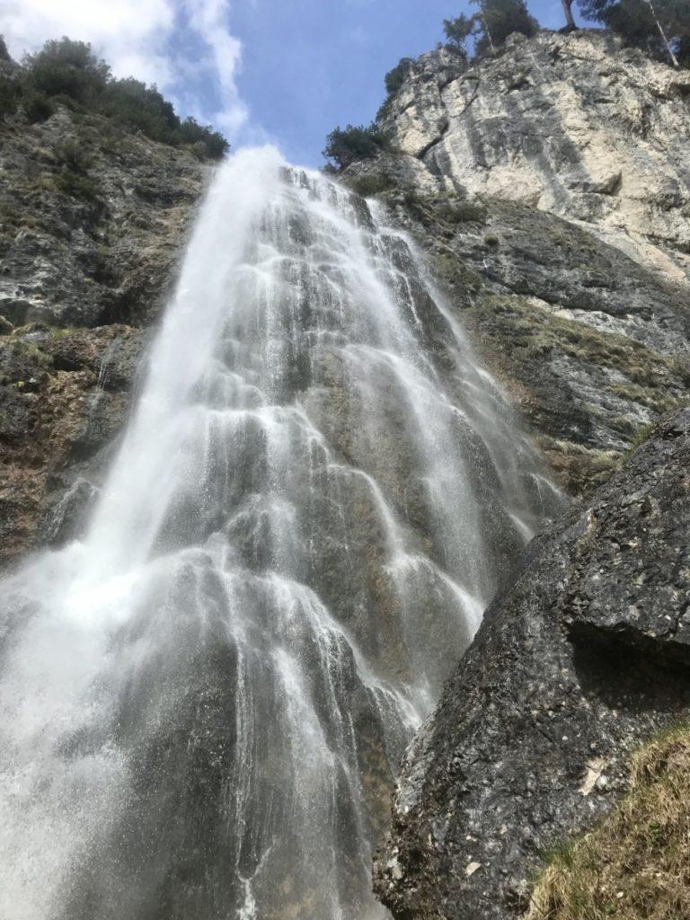 Achensee Sehenswürdigkeiten - der imposante Dalfazer Wasserfall