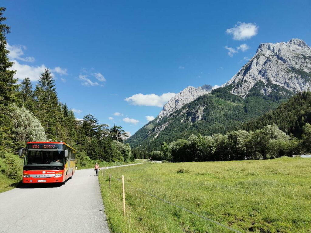 Die Ahornboden Anfahrt mit dem Bergsteigerbus in die Eng