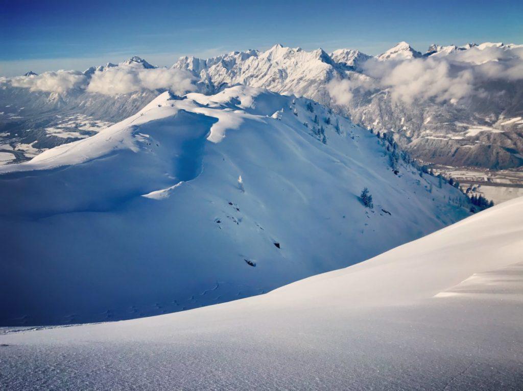 Wie ist die aktuelle Schneelage in den Alpen?