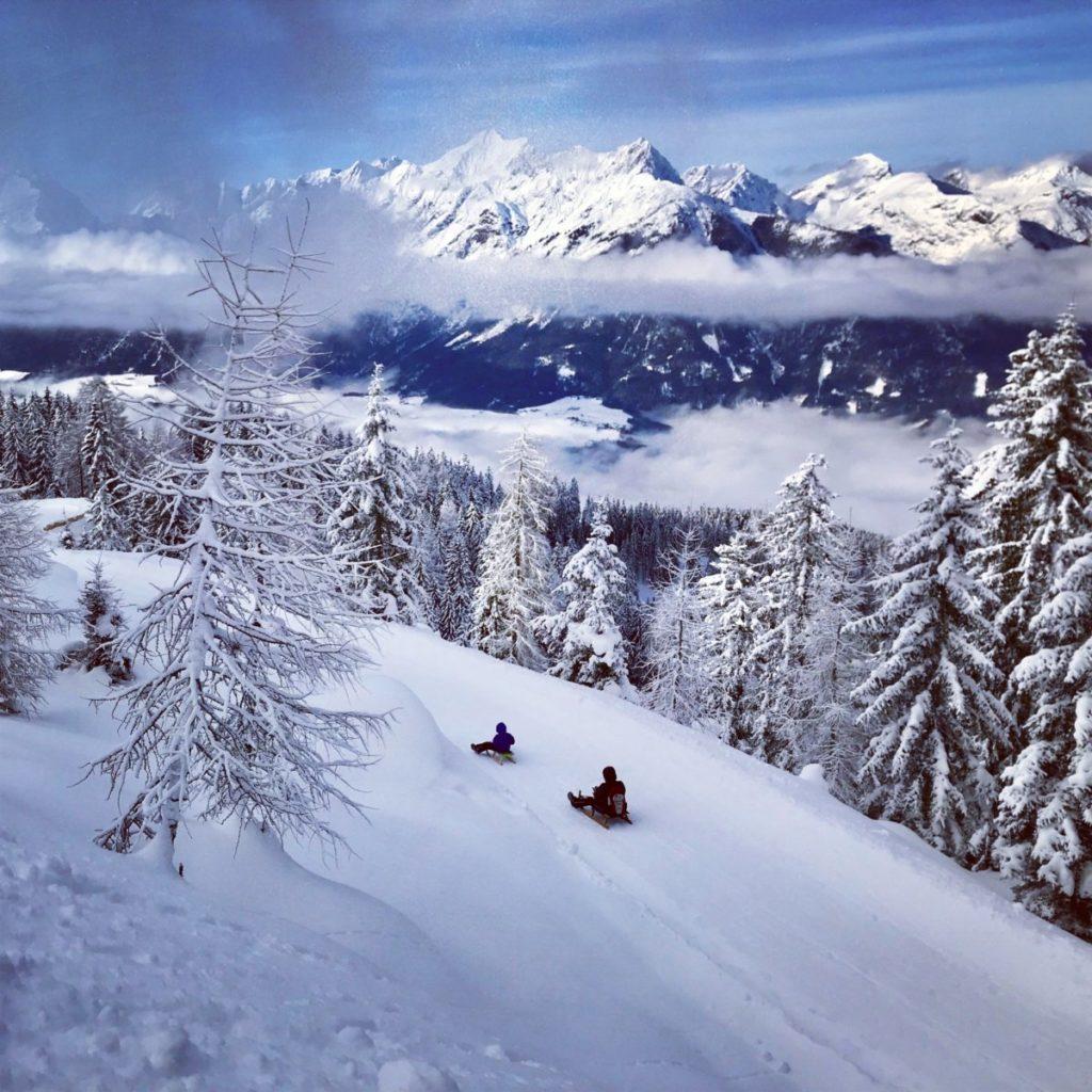 Mein Alpen Winter im Schnee - rodeln in den verschneiten Bergen