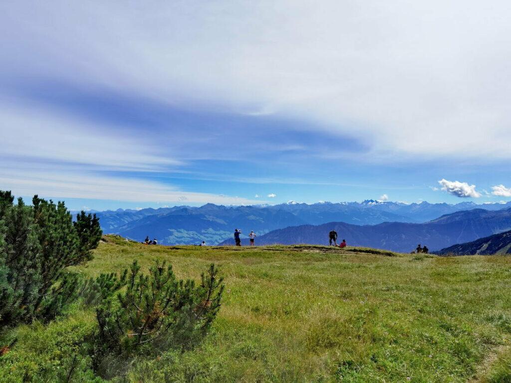 Das ist der Ausblick in Richtung Zillertal und Alpenhauptkamm