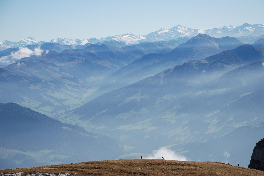 Das ist dein Ausblick am Gipfel der Rofanspitze!