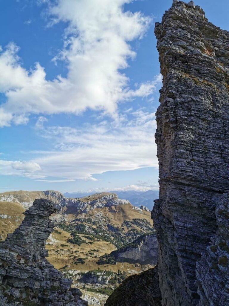 Bergwandern mit Lift - erst mit der Bergbahn hinauf und dann über den Dalfazer Kamm auf den Hochiss wandern