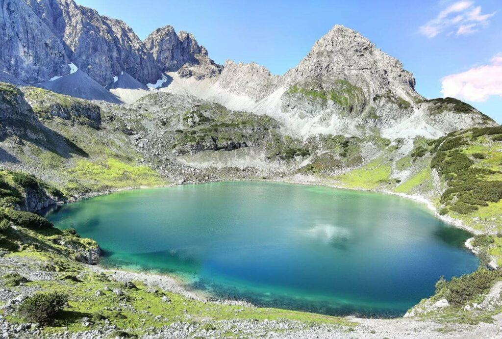 Gigantische Bergwanderung über die Seen zum Lehnberghaus