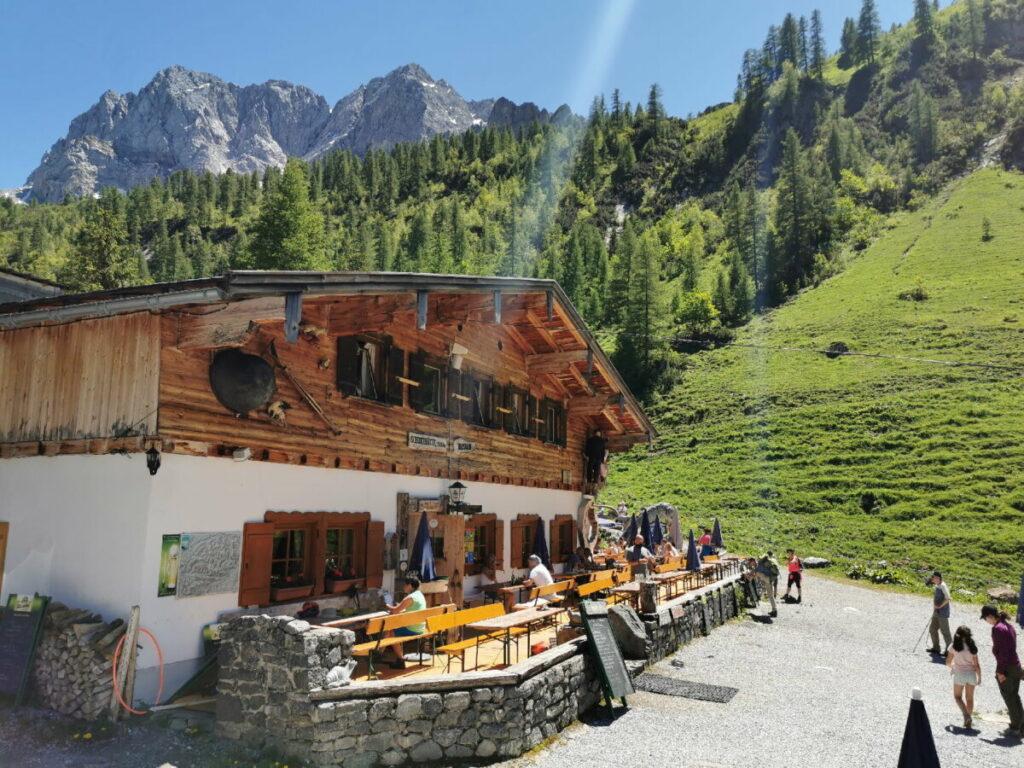 Wanderziel Binsalm - leichte Wanderung von der Eng ins Karwendel