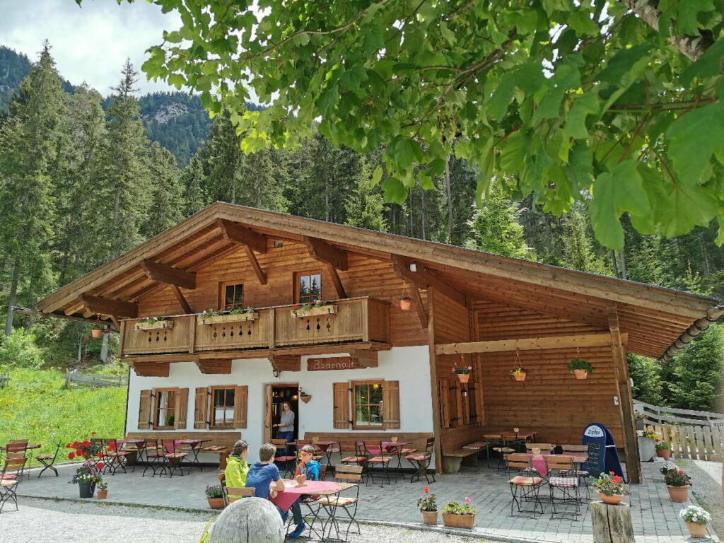 Ab Seefeld wandern - zur niedrigsten Alm im Karwendel!
