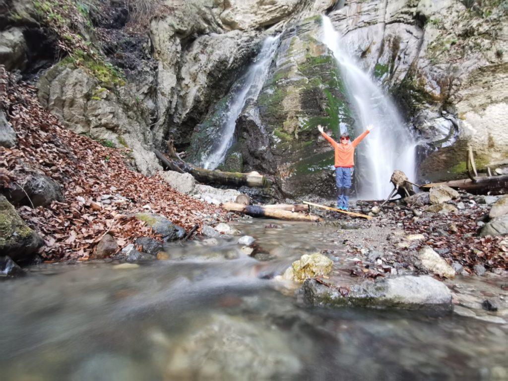 Zum Bucher Wasserfall wandern in den Tuxer Alpen bei Schwaz
