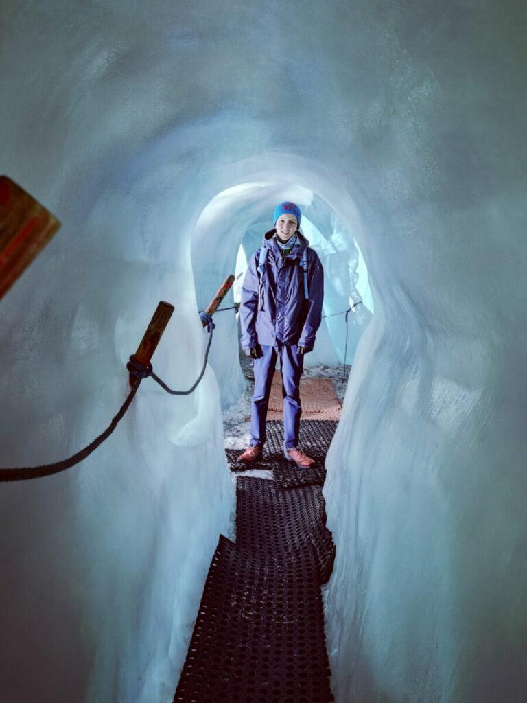 Willkommen in der Eishöhle am Hintertuxer Gletscher