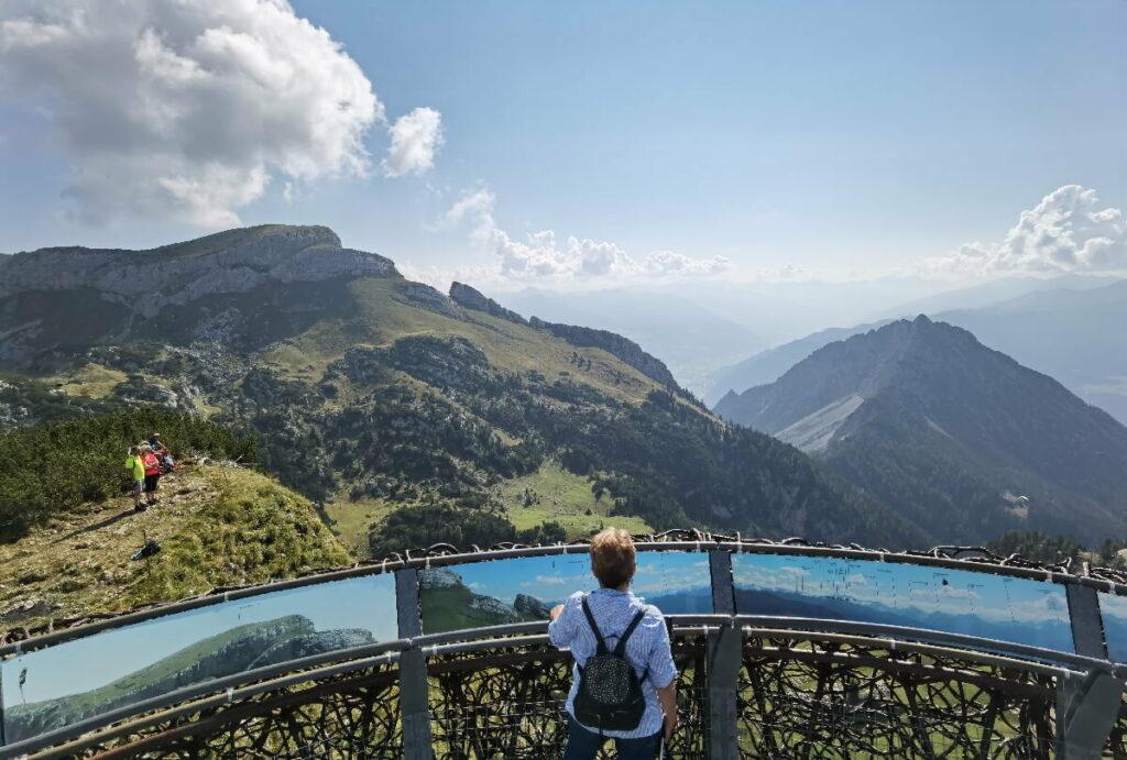 Zur Aussichtsplattform am Gschöllkopf wandern - mit einem 360 Grad Panoramablick!