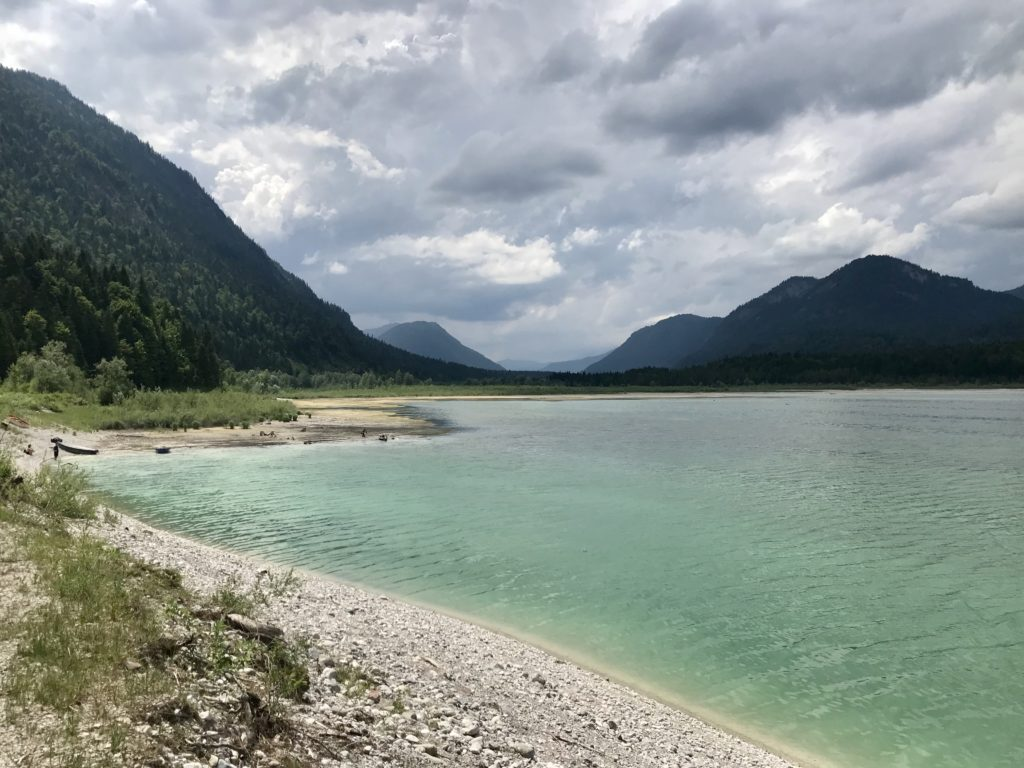 Fall Sylvensteinsee - die größte Attraktion des Ortsteils von Lenggries