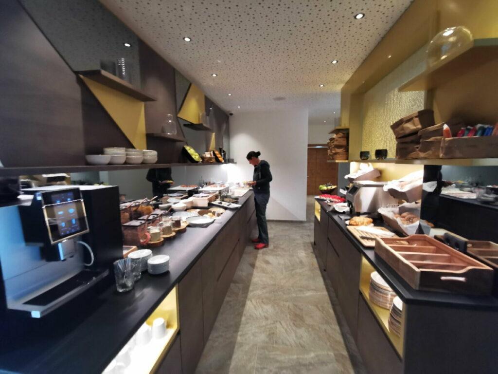 Alpenparks Alpina Seefeld: Das sehr umfangreiche Frühstücksbuffet