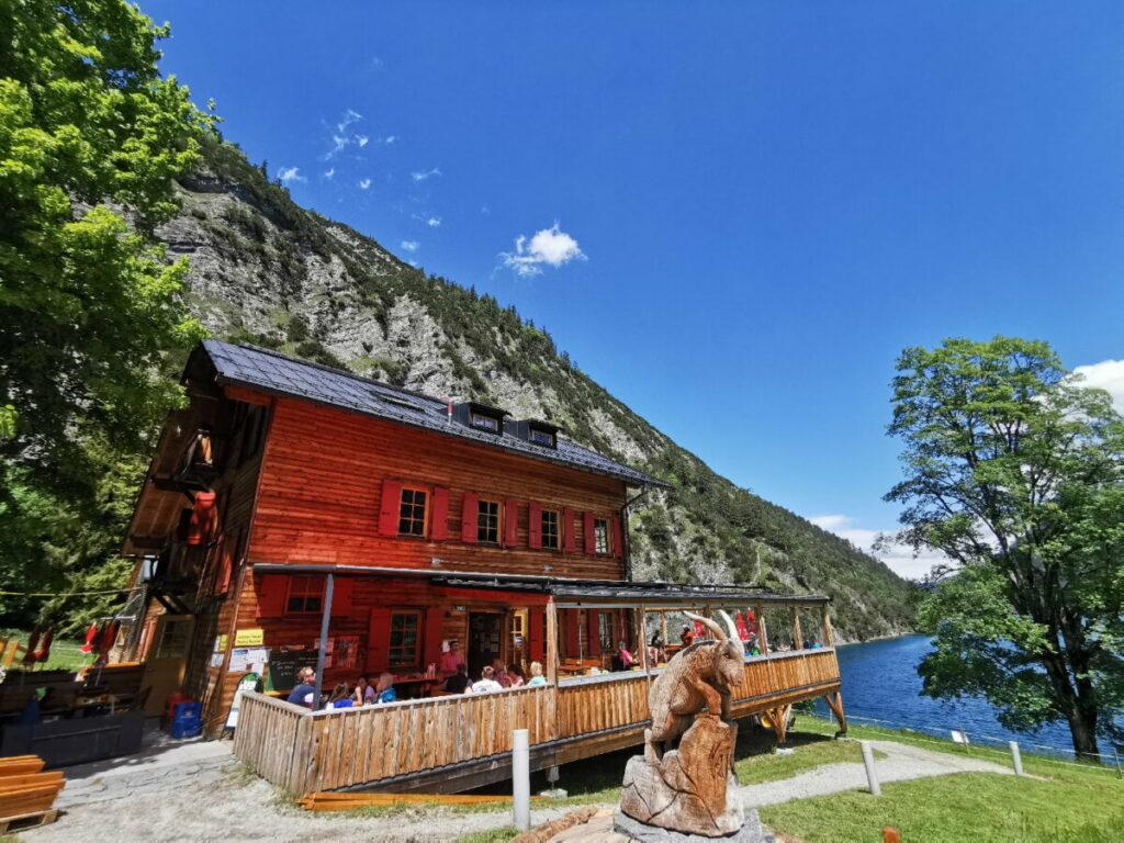 Das ist die schöne Gaisalm - zwischen Karwendel Berge und Achensee