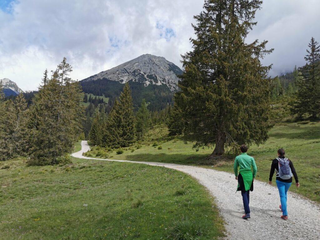 Das ist der tolle Ganghoferweg zur Gaistalalm im Wettersteingebirge