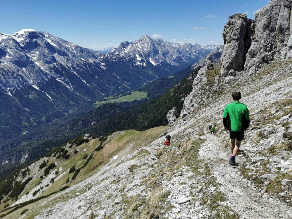 Von der Gehrenspitze zurück zum Scharnitzjoch - mit Blick ins Gaistal