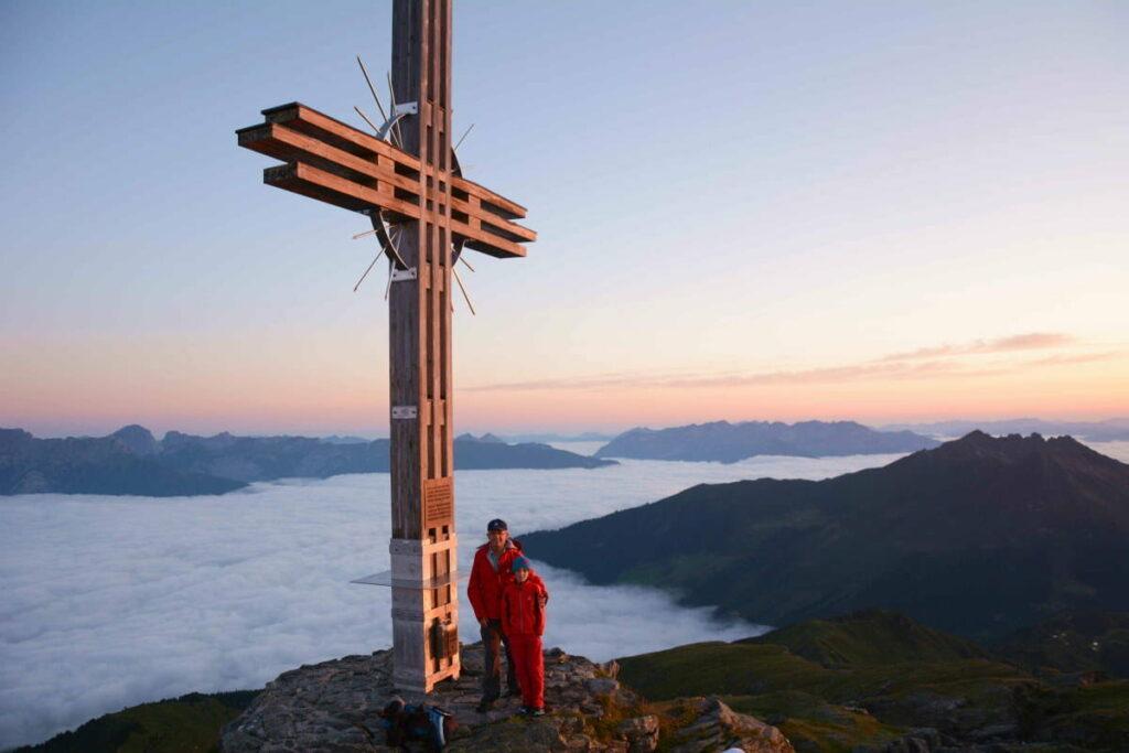 Der Gilfert Gipfel im Herbst - über dem Nebelmeer