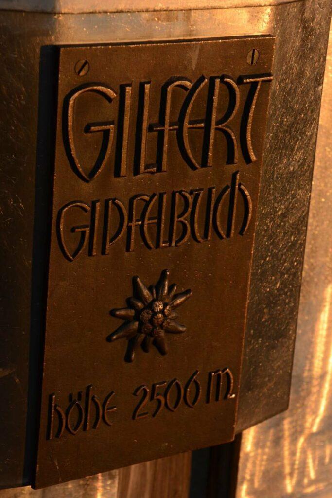 Das Gipfelbuch bei der Gilfert Wanderung