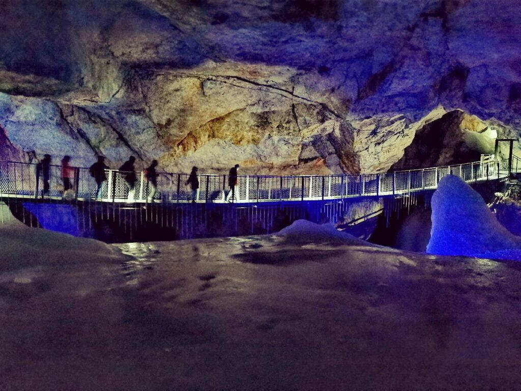 Hängebrücke Dachstein - in einer echten Eishöhle!