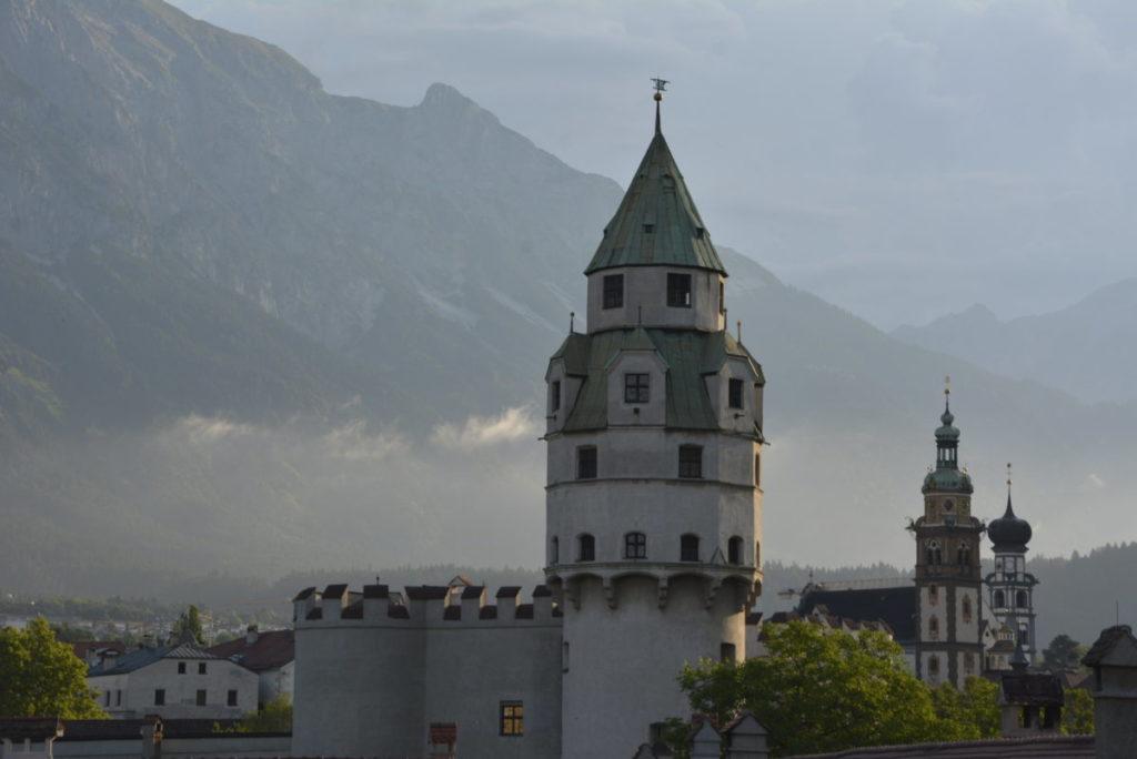 Besuch mal die Hall in Tirol Altstadt - nicht weit von der Karlskirche!