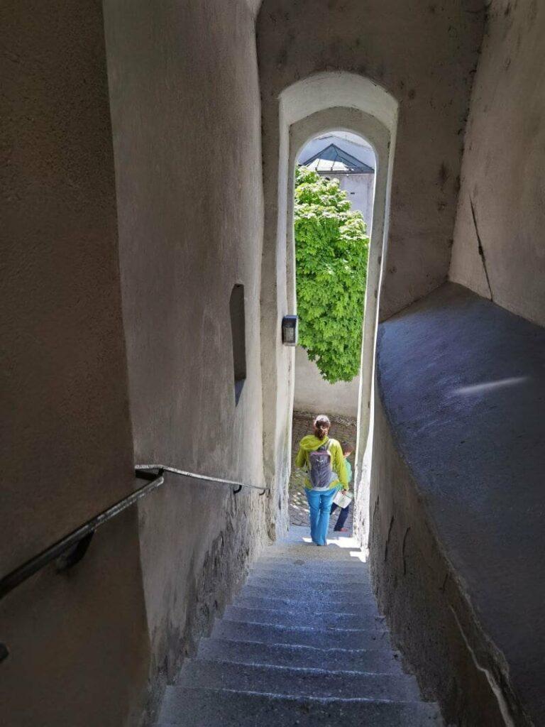"""Hall in Tirol entdecken - hier geht es mit dem Kinderwagen nicht weiter. """"Umfahrung"""" ist aber möglich"""