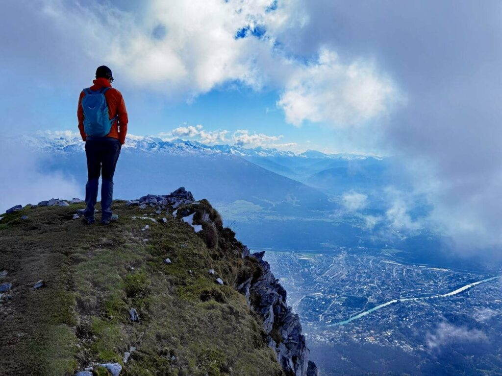 Zu den Hütten Innsbruck wandern - mit viel Aussicht auf dem Goetheweg