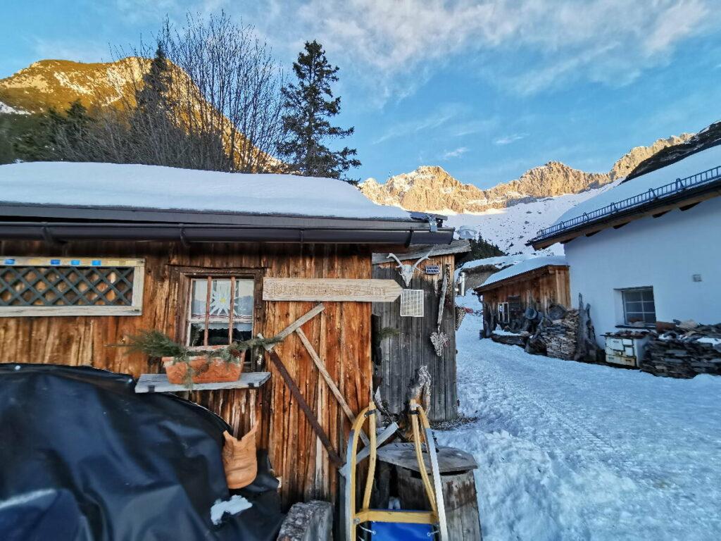 Rund um Innsbruck rodeln - romantisch auf der Wettersteinhütte