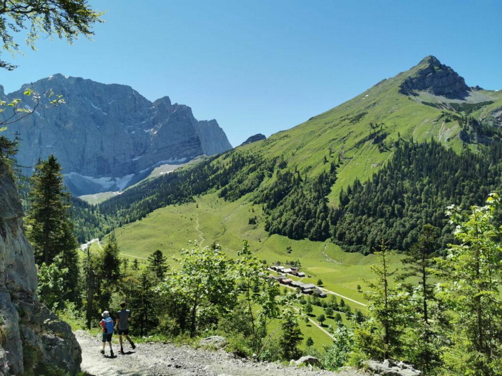 Inntal wandern - lange aber schöne Wanderung: Aus dem Inntal über das Lamsenjoch in die Eng