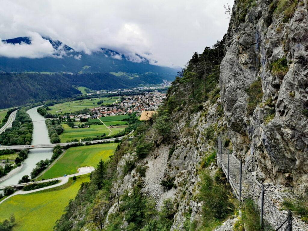 Auf schmalen Wegen zur Kaiser Max Grotte wandern