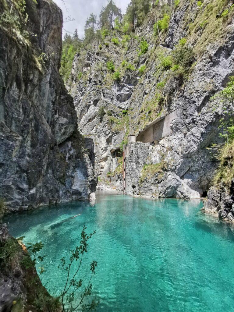 Karibik im Karwendel - nennen es viele in den sozialen Medien. Das Wasser ist aber saukalt.