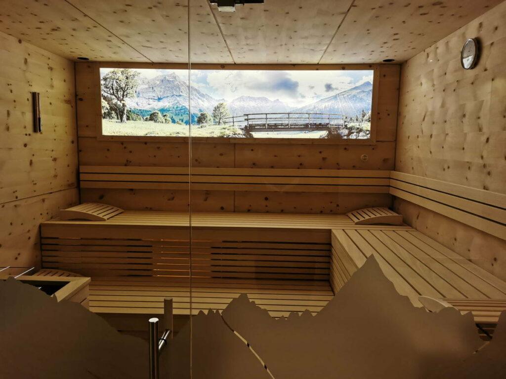 Ich liebe Karwendel Hotels mit einer schönen Sauna: Das ist die sehr angenehme Sauna im Alpenparks Alpina Seefeld - mit Ahornboden Panorama!
