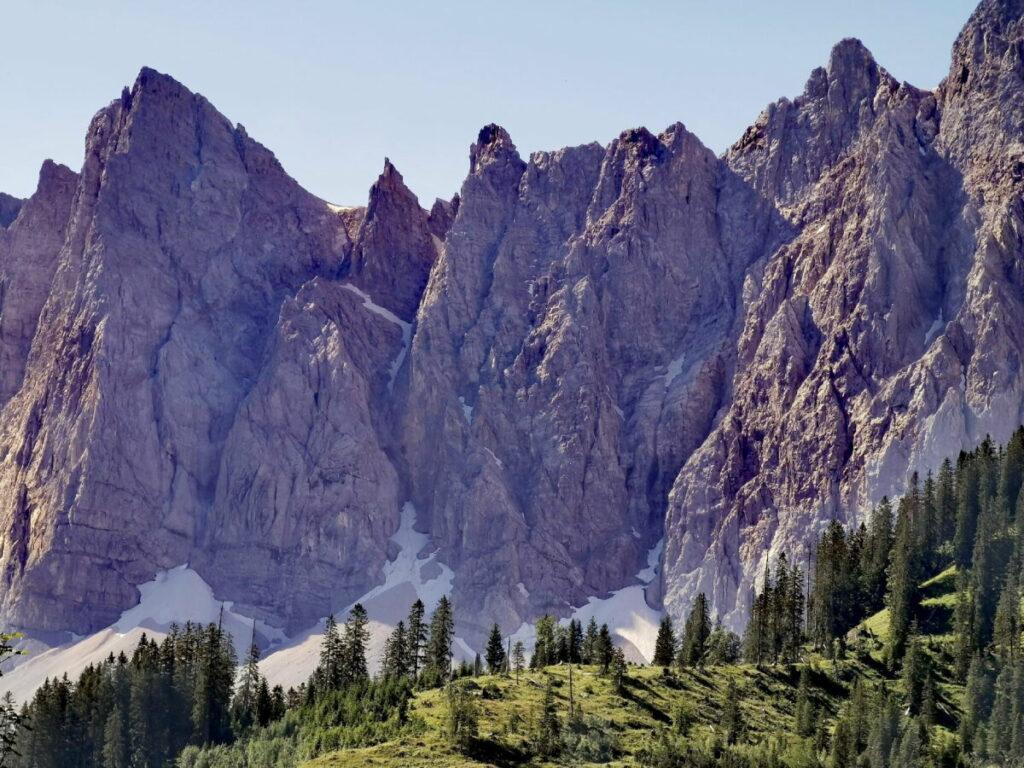 Ich liebe die Karwendel Wanderung mit Blick auf diese Felsen!