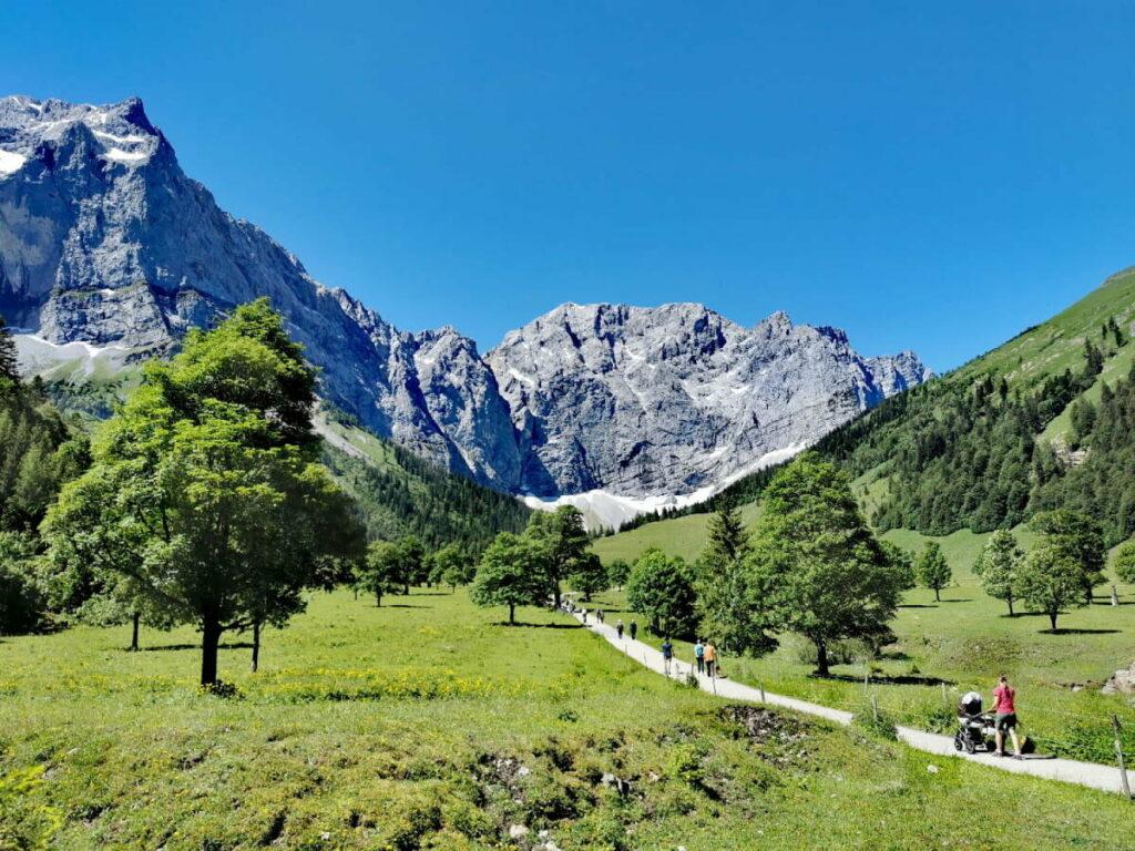 Karwendel mit Kindern: Großes Naturerlebnis für kleine Forscher am Ahornboden