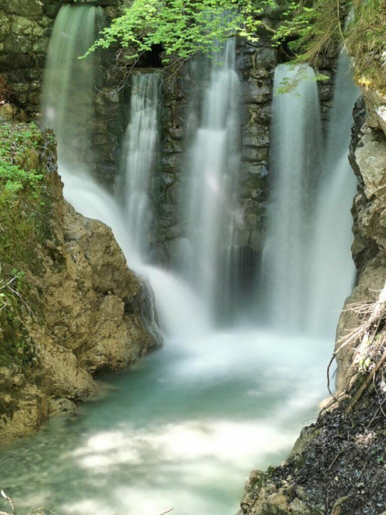 Im Frühling im Karwendel wandern - und diese Wasserfälle beobachten