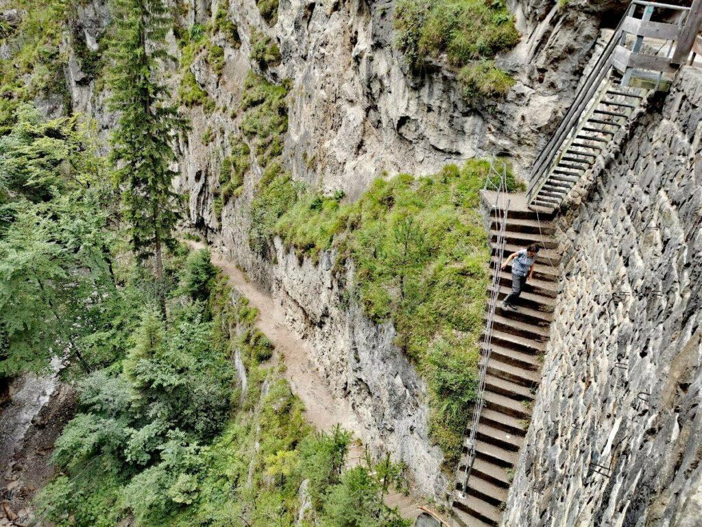Besondere Klammwanderungen? Das ist die spektakuläre Treppe in der Ehnbachklamm im Karwendel