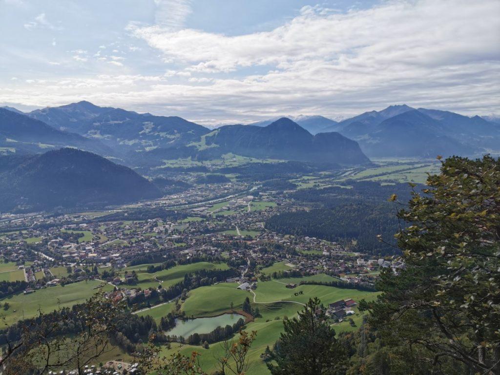 Die tolle Lage von Kramsach und den Seen mitten in den Bergen