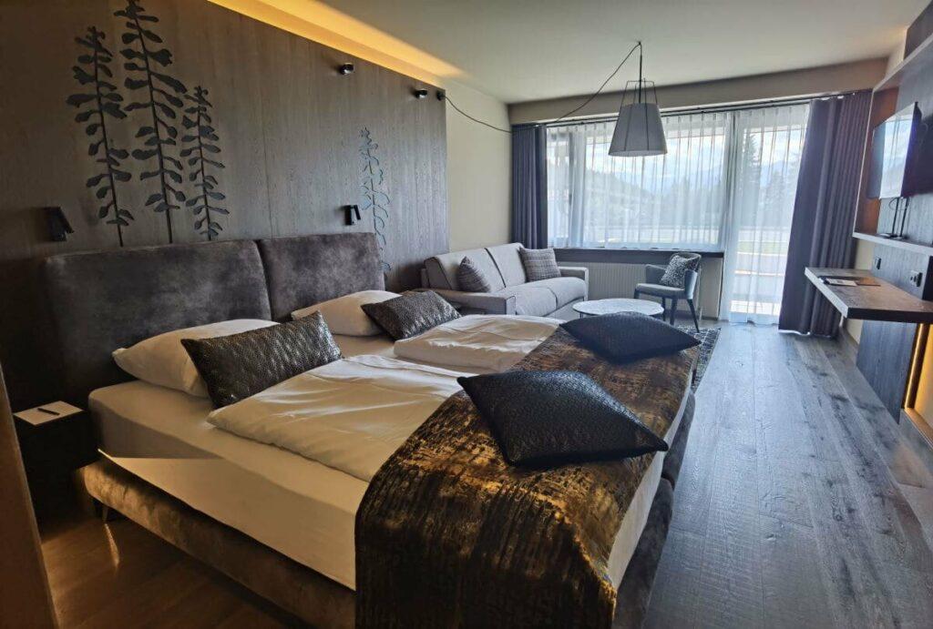 Unser Zimmer im Krumers Alpin Resort - das 404 im 4. Stock, eine von vielen Zimmerkategorien