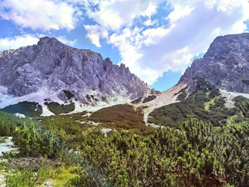 Imposante Berge der Mieminger Kette oberhalb vom Lehnberghaus
