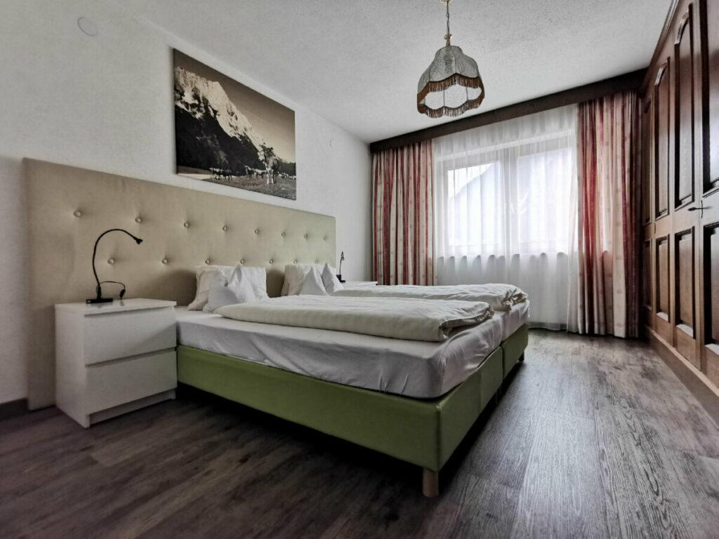 Leutasch Ferienwohnung - der Blick ins Schlafzimmer