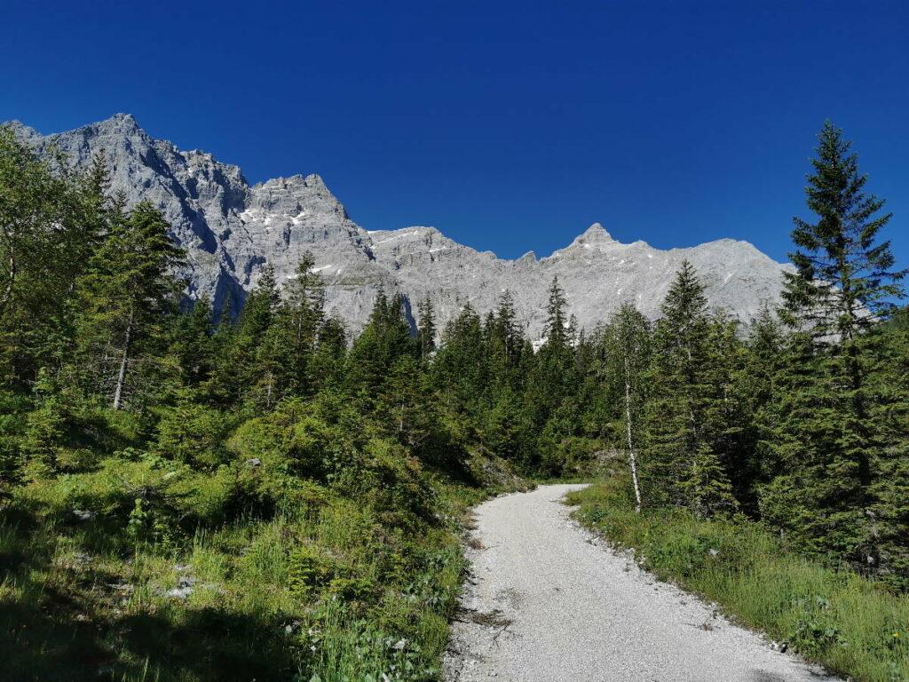Das ist der Weg zum Kleinen Ahornboden - gut mit dem Mountainbike zu fahren