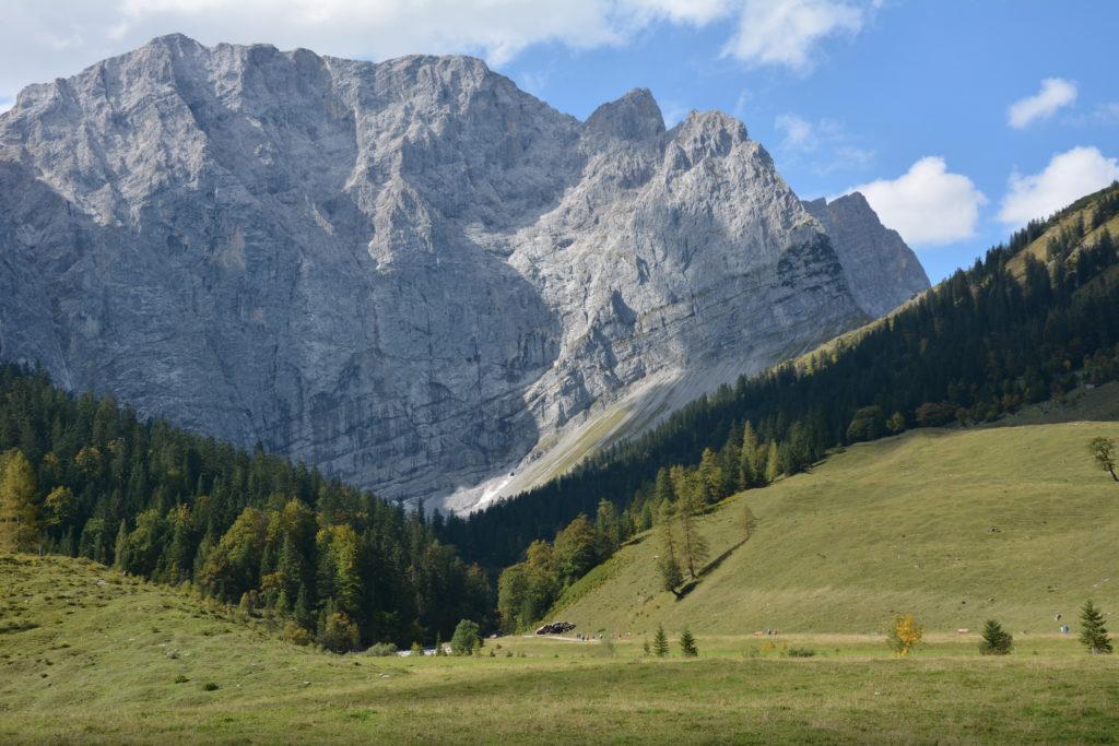 Ab der Mautstrasse Eng im Naturpark Karwendel wandern
