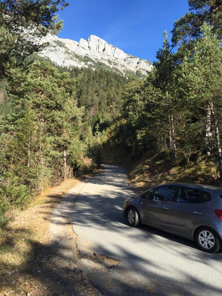 So fährst du auf der Mautstrasse Gnadenwald hinauf ins Karwendel