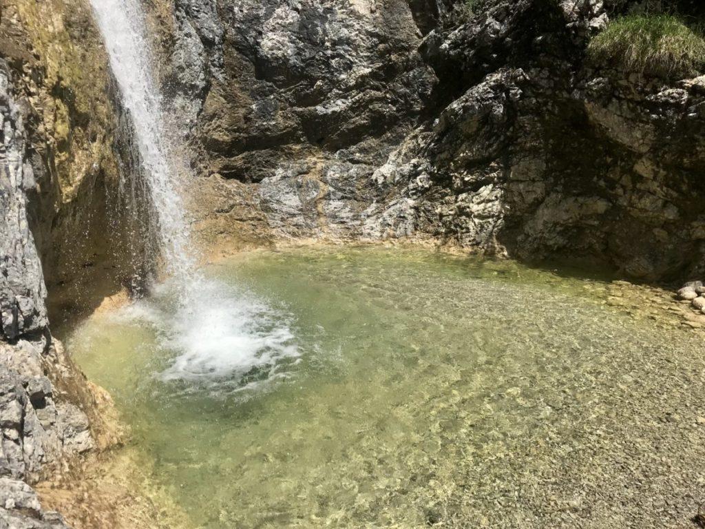Mittenwald wandern - die schönsten Wanderungen in Wallgau am Wasser und auf die Gipfel