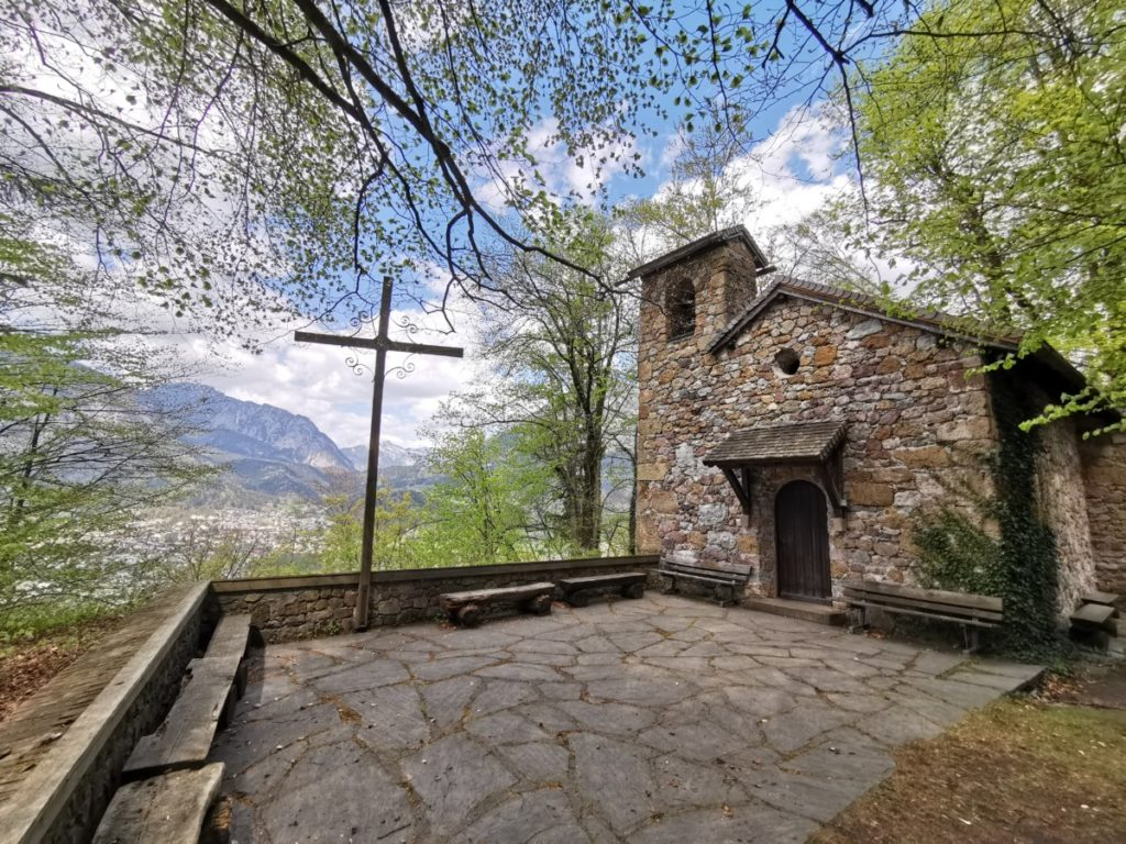 Die Notburga Kapelle auf der Rottenburg, in den Tuxer Alpen