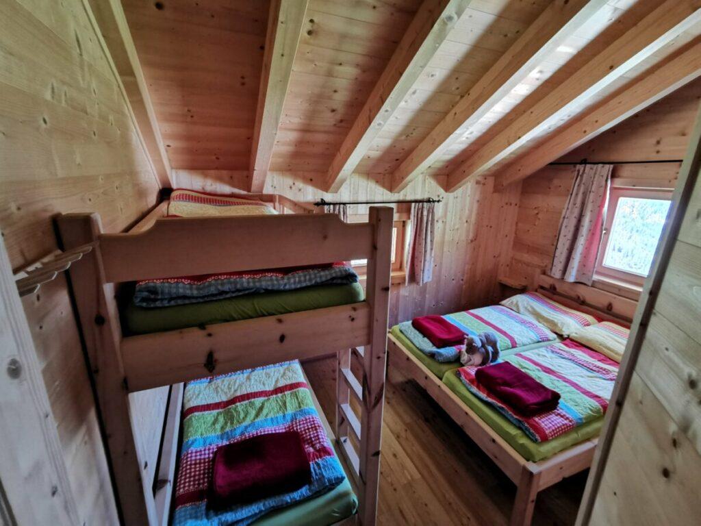 So kannst du auf der Plumsjochhütte übernachten mit Kindern