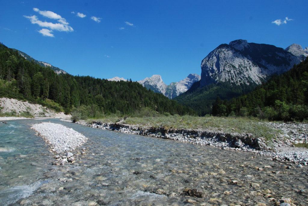 Das ist die schöne Natur und Flußlandschalft am wilden Rissbach